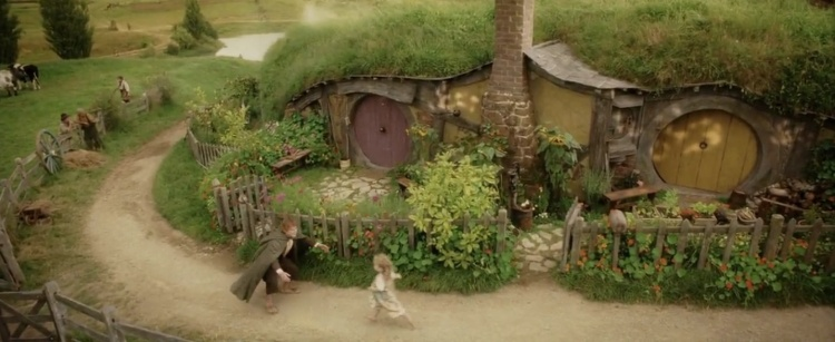 Samwise Gamgee returns to the Shire, in the final scene of Return of the King (2003)