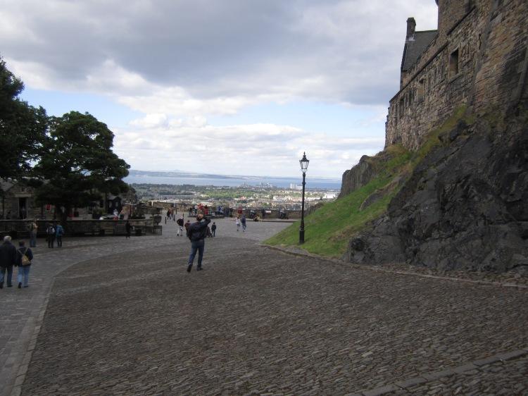 Visiting the Edinburgh Castle too touristy? FUCK YOU, IT'S A GODDAMN CASTLE.
