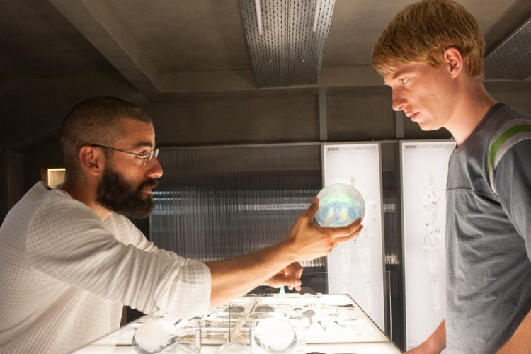 Bros before bots: Ex Machina