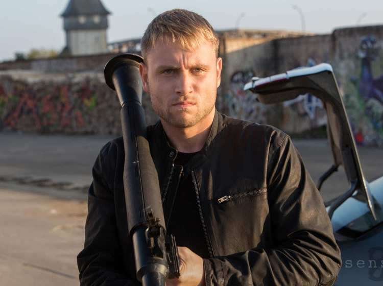 Say hello to my little friend: Max Riemelt