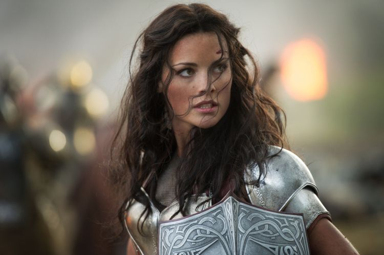 Popular imaginary: Jamie Alexander as Lady Sif in Thor: The Dark World (2011)